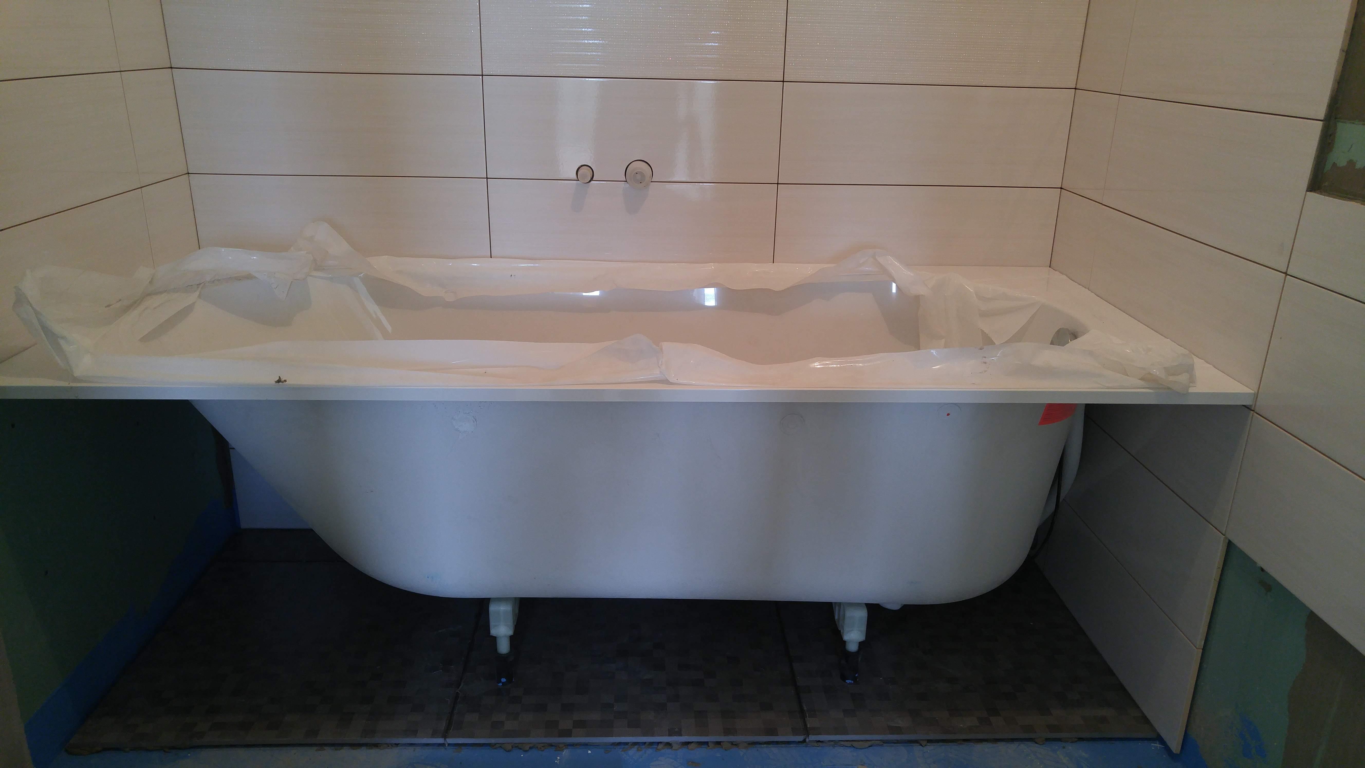 Ставим ванную на готовае основание